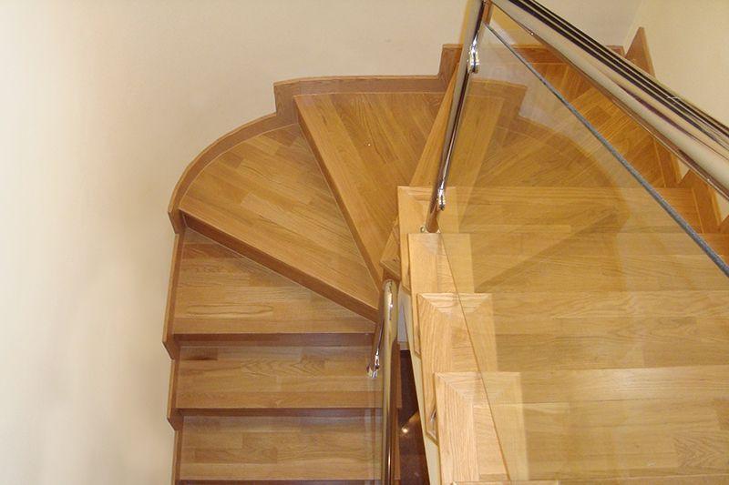Revestimiento de escaleras en oca a for Escaleras toledo