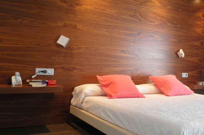 Ahorro energ tico con frisos para paredes y techos for Friso madera pared